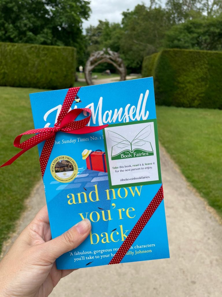 The Book Fairies and Jill Mansell share copies of And Now You're Back in Derby