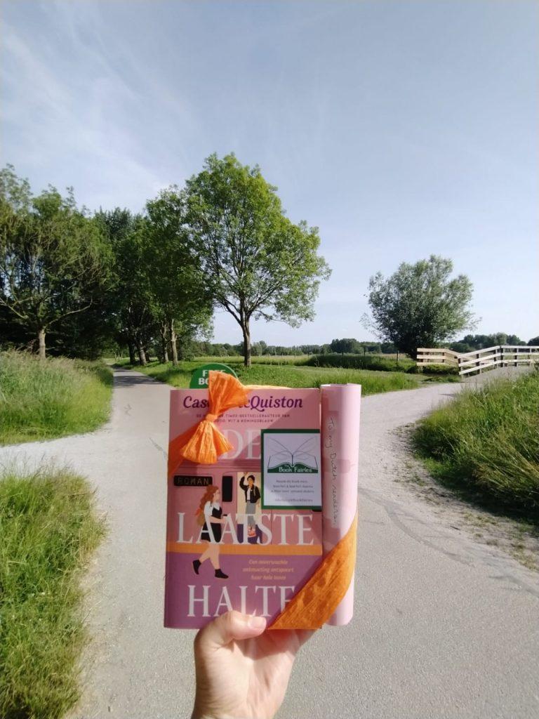 The Book Fairies in the Netherlands shared De Laatste Halte by Casey McQuiston in Polderpark Cronesteyn