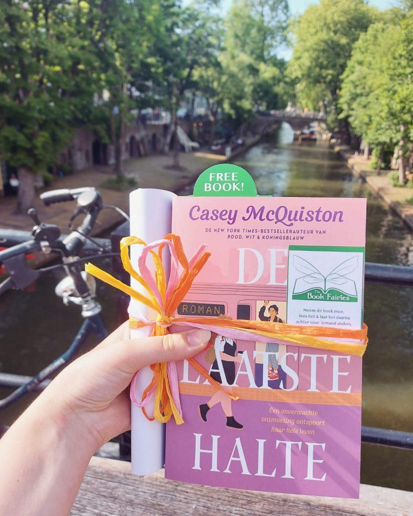 The Book Fairies in the Netherlands shared De Laatste Halte by Casey McQuiston in Amsterdam
