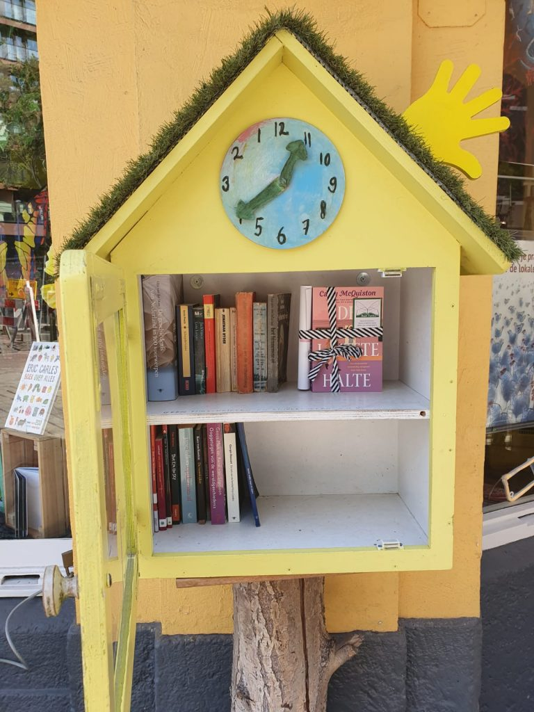 The Book Fairies in the Netherlands shared De Laatste Halte by Casey McQuiston in a book share