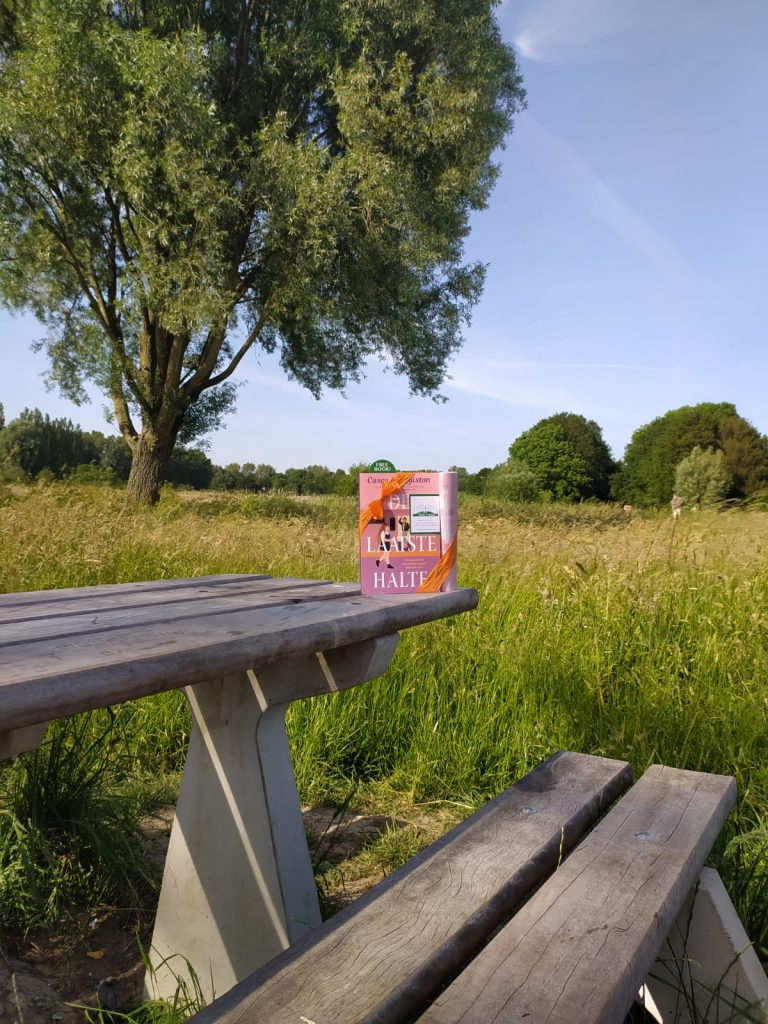 The Book Fairies in the Netherlands shared De Laatste Halte by Casey McQuiston in a park