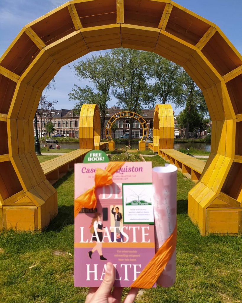 The Book Fairies in the Netherlands shared De Laatste Halte by Casey McQuiston beautiful pic