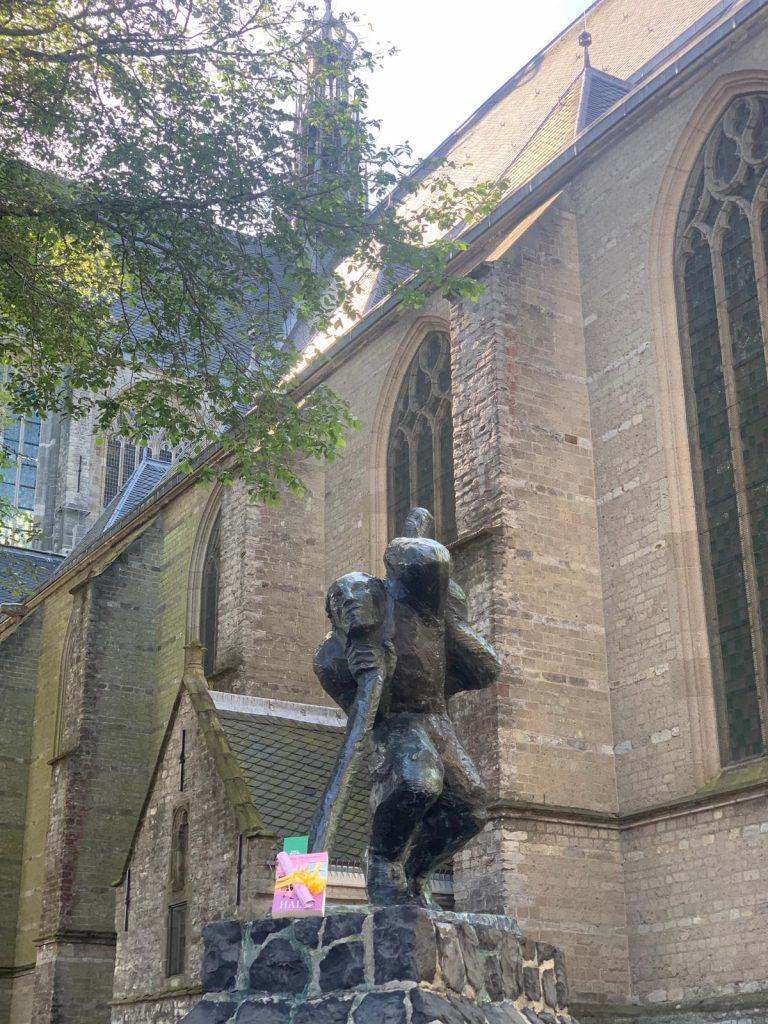 The Book Fairies in the Netherlands shared De Laatste Halte by Casey McQuiston in Den Haag
