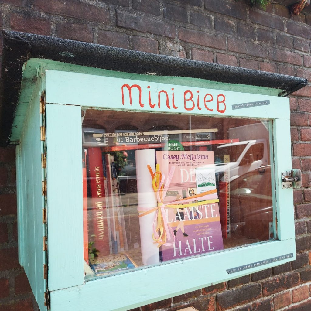 The Book Fairies in the Netherlands shared De Laatste Halte by Casey McQuiston in a little library