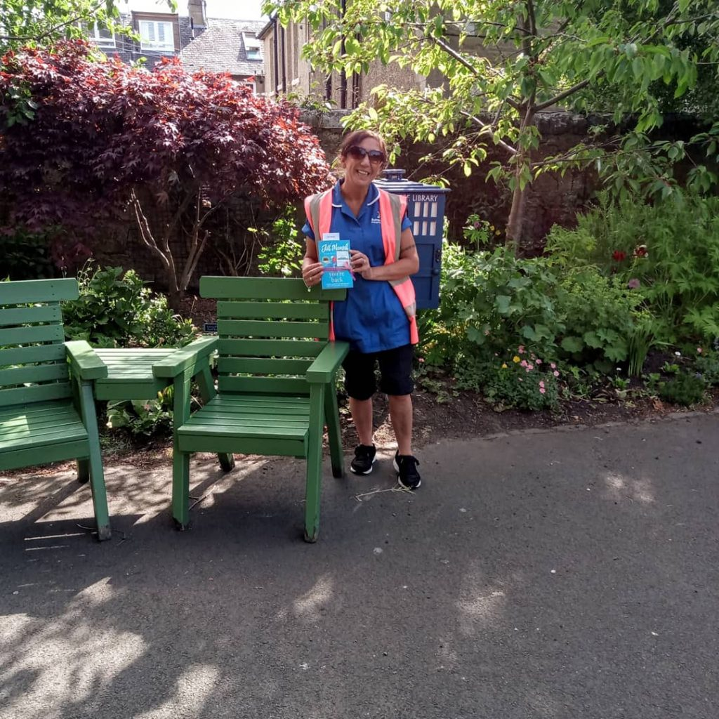 The Book Fairies and Jill Mansell share copies of And Now You're Back - book found in Edinburgh