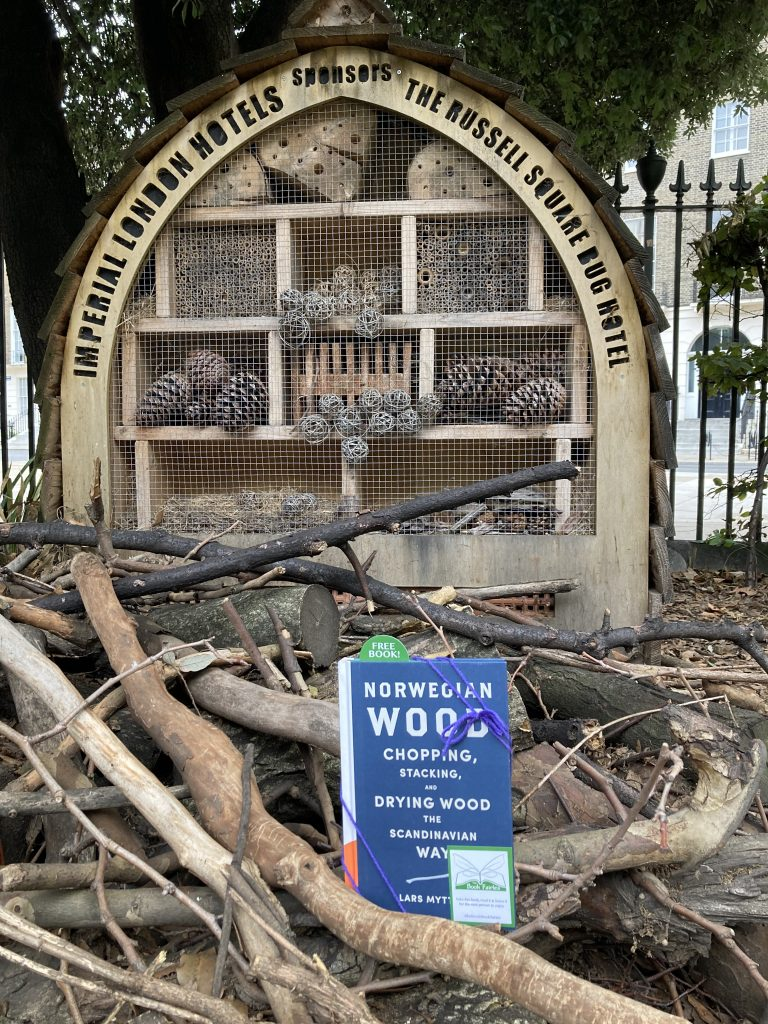 Book fairies hide Quercus books in the UK - Russell Square London
